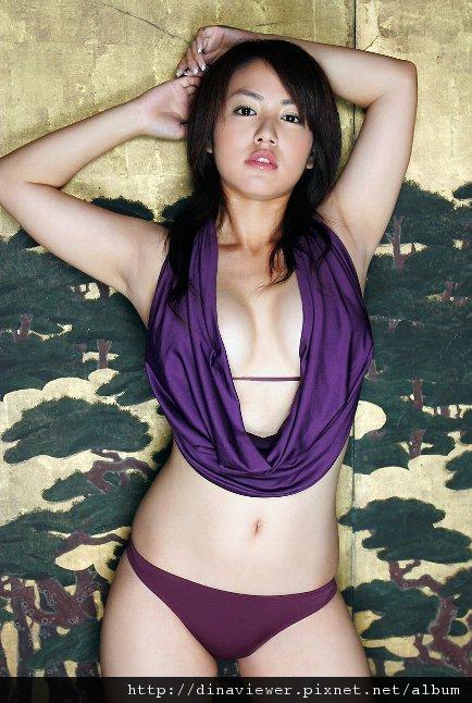 isoyama_sayaka_08.jpg