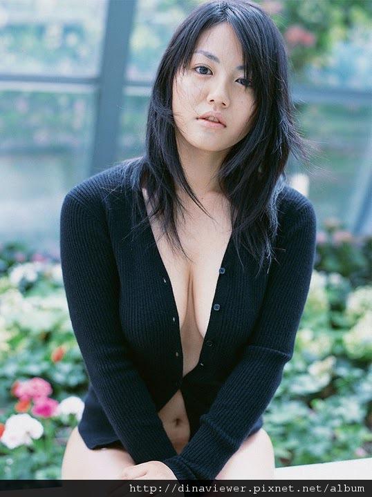 isoyama_sayaka_102.jpg
