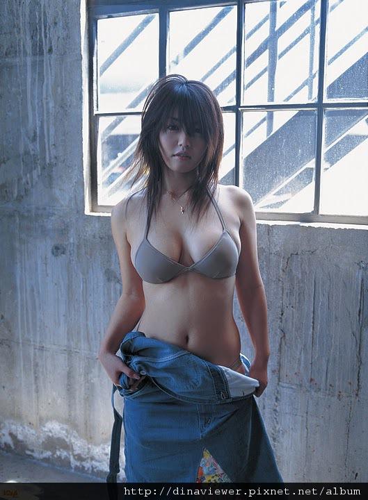 isoyama_sayaka_120.jpg