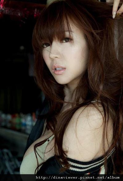 20110403-zhou-weitong1.jpg