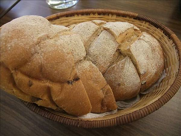 麵包有點小硬呢