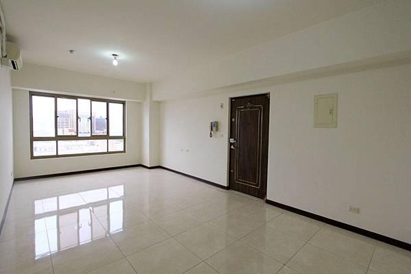 幸福學苑高樓視野三房+平面車位798萬_170909_0017