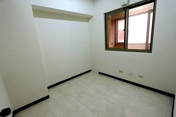 幸福學苑高樓視野三房+平面車位798萬_170909_0016