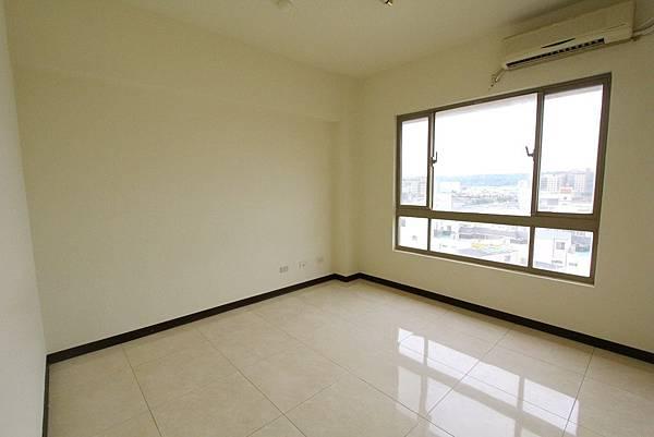 幸福學苑高樓視野三房+平面車位798萬_170909_0013