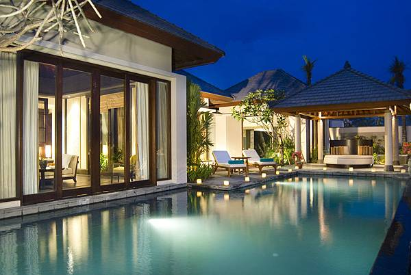 banyantree_ungasan_bali_001_exterior-of-villa.jpg