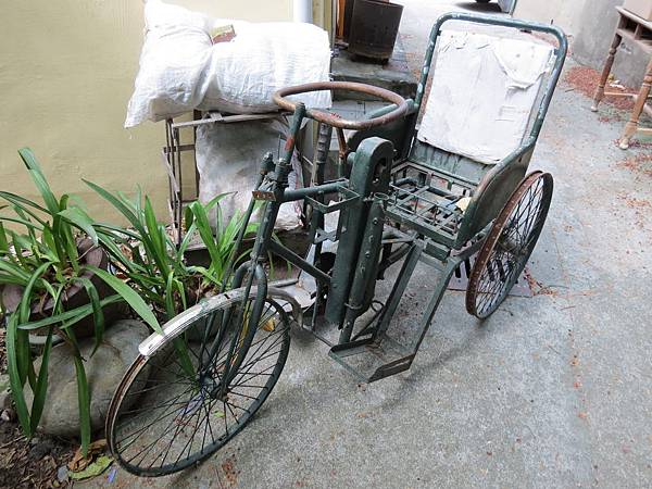 台中動漫彩繪巷(海賊王彩繪), 古早三輪車