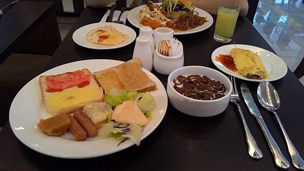 Day2-004飯店早餐.jpg