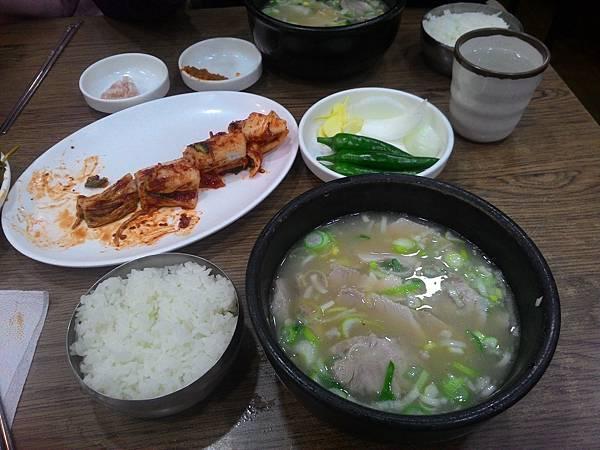 Day4-007 本田豬肉湯飯.jpg