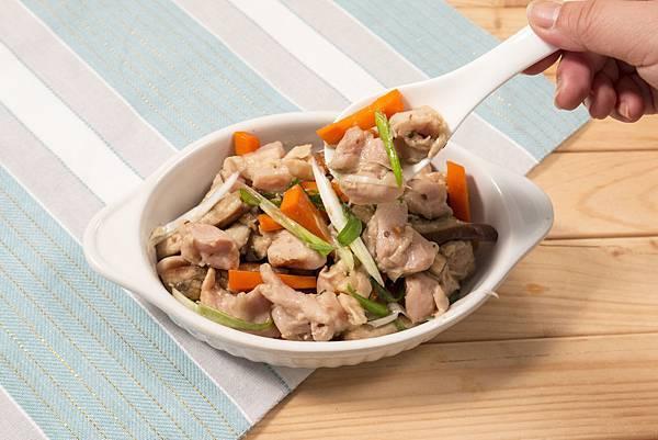 巧活幸福廚房-鹽麴味噌雞腿蒸飯
