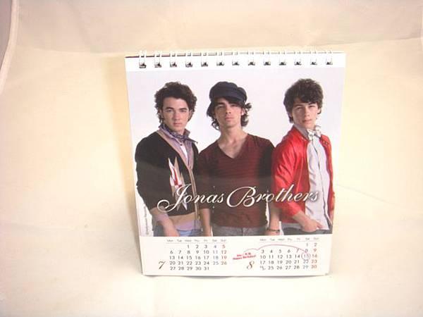 強納斯2009年曆(3).JPG