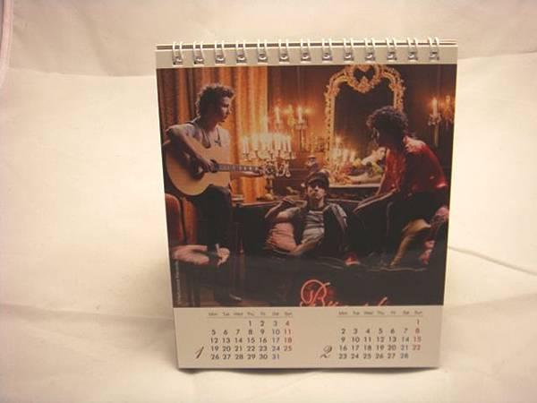 強納斯2009年曆(6).JPG