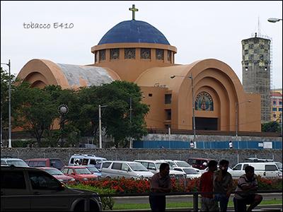 機場外教堂