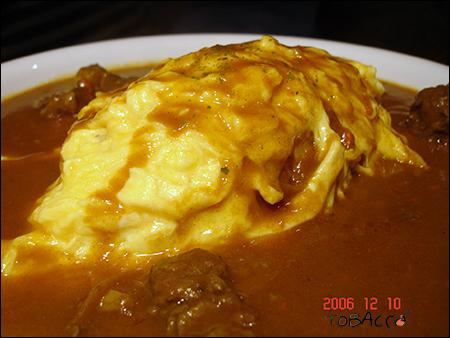牛肉咖哩蛋包飯.jpg