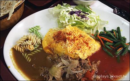 101的牛肉咖哩+蕃茄醬.jpg