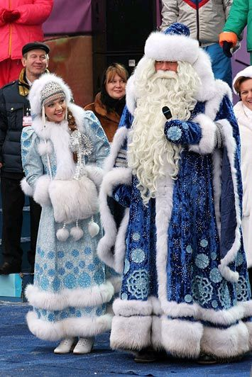 dede-moroz-and-snegurochka