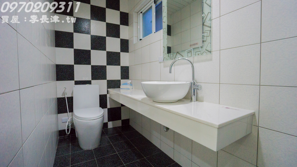 17-4F廁所-5.jpg