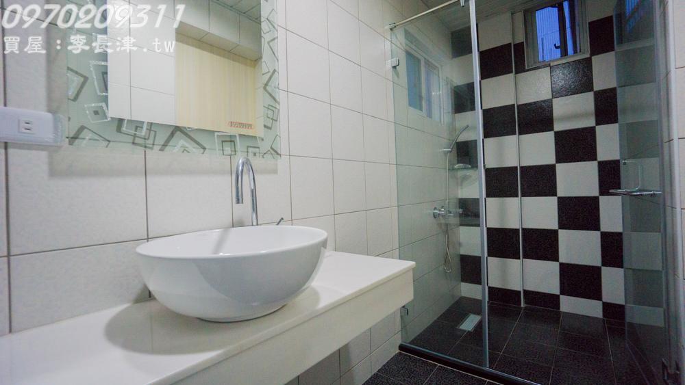 18-4F廁所-6.jpg
