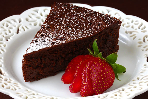 slice-of-flourless-chocolate-cake2.jpg