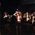 我在放歌當中,前面一票PARTY GIRLS.jpg
