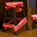 傳說中訂婚用的高矮椅