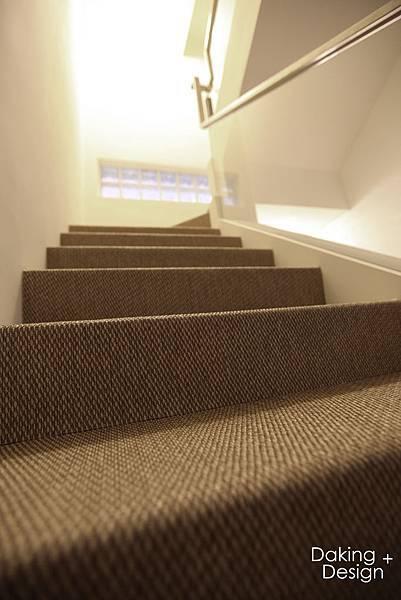 2F樓梯間-1