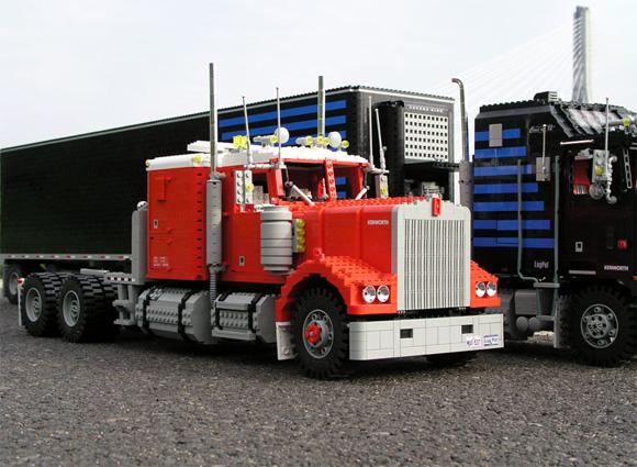Maciej-Drwiegas-Lego-Truck-2.jpg