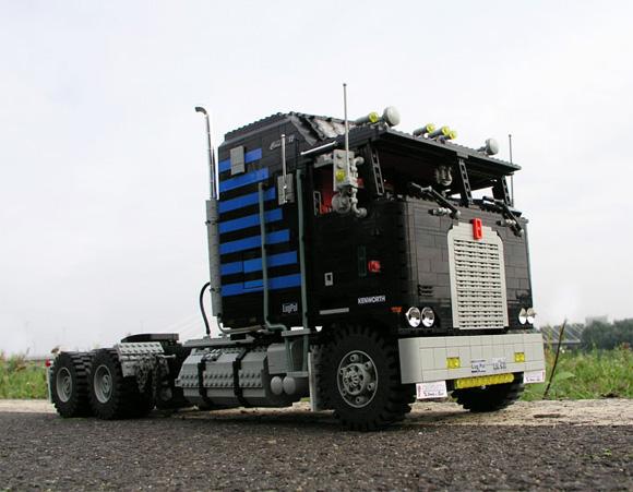 Maciej-Drwiegas-Lego-Truck.jpg