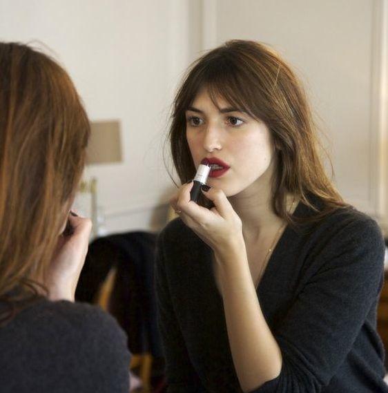 巴黎女人妝容紅唇.jpg