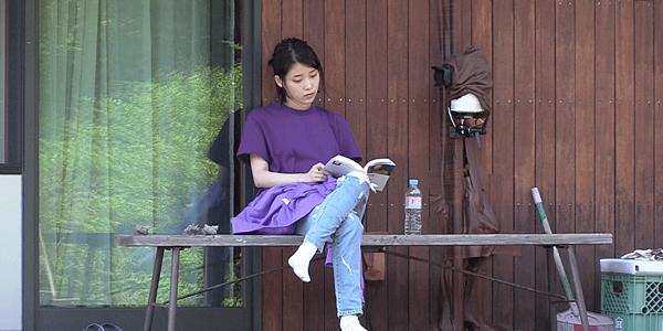 2018pantone紫外光-素色上衣