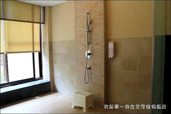 花季度假飯店09.jpg
