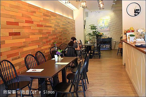 Caf'e Simon06.jpg
