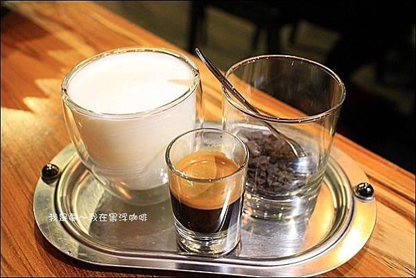 黑浮咖啡07.JPG