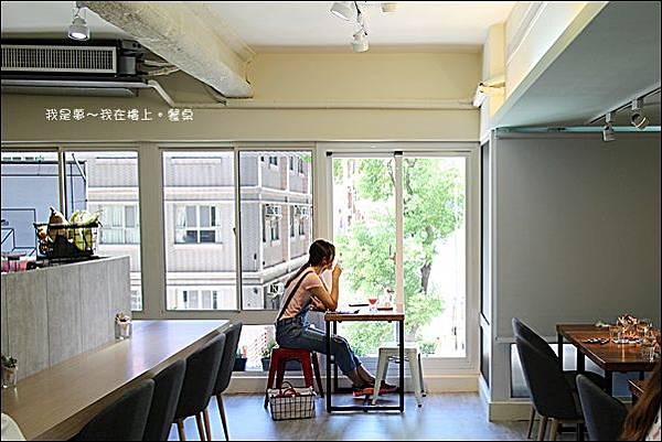 樓上。餐桌06.jpg
