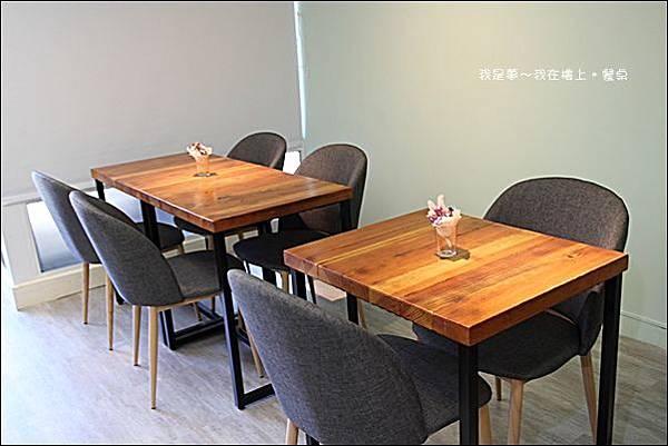 樓上。餐桌11.jpg
