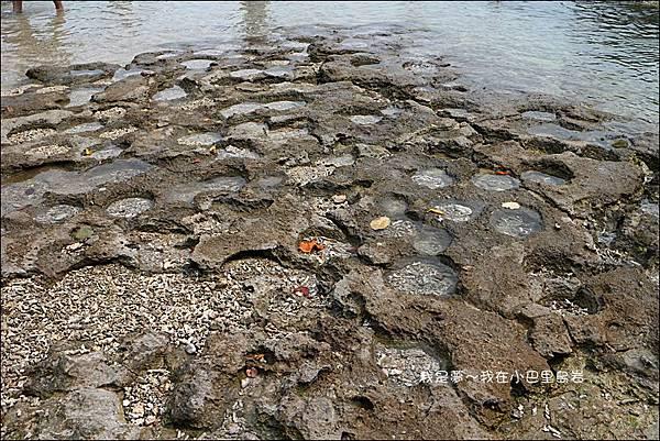 小巴里島岩11.jpg