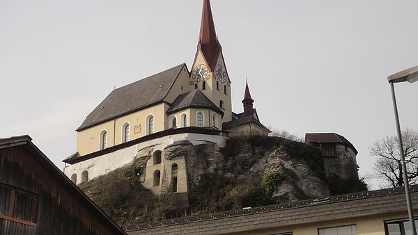 山頂上的教堂
