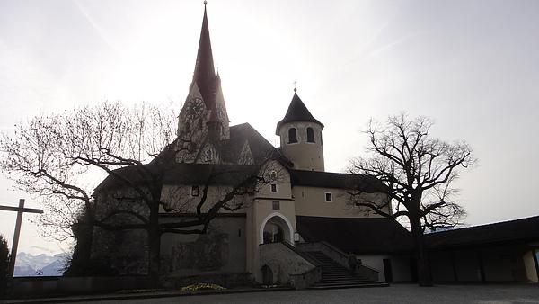 山頂上的教堂-全景