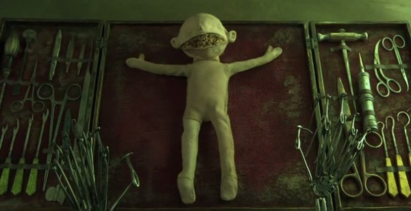 coraline-doll-dissection-2.jpg