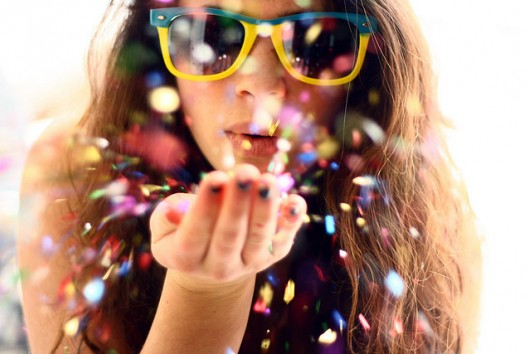 glitter-94cybo7c3-108898-530-354.jpg