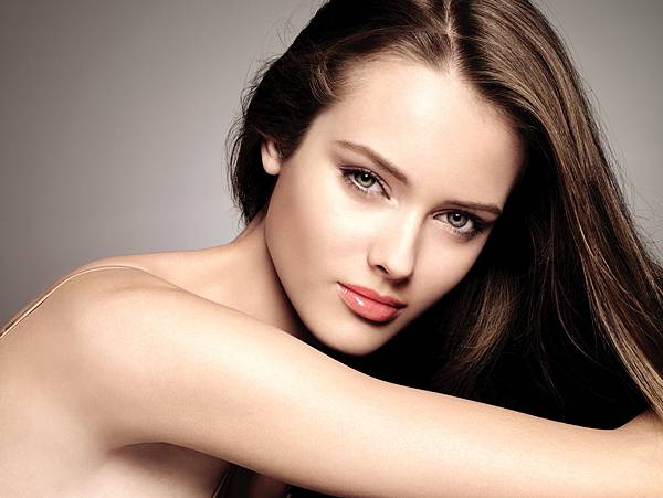 (3) 利欣 廖苑利推薦 緊膚美白光 果酸換膚 脈衝光 素顏光 燕麥護膚 油性肌膚 敏感肌膚