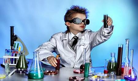 Wiz-Kid-Science-Scientist-lab-coat-beakers-experiment-potion-goggles-smart