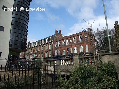 London0310 007.jpg