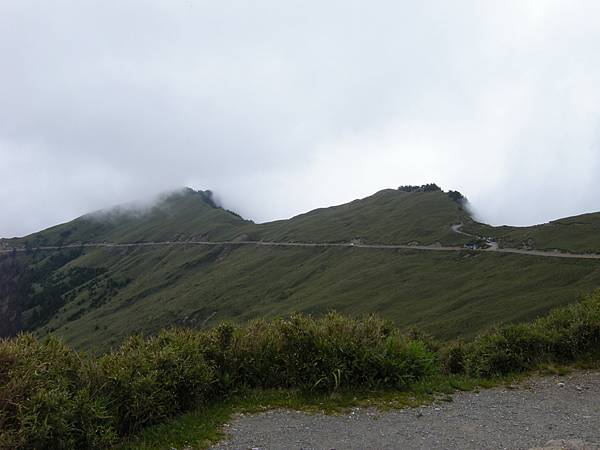 DSCN9953_從武嶺遠望明天要爬的合歡主峰.JPG