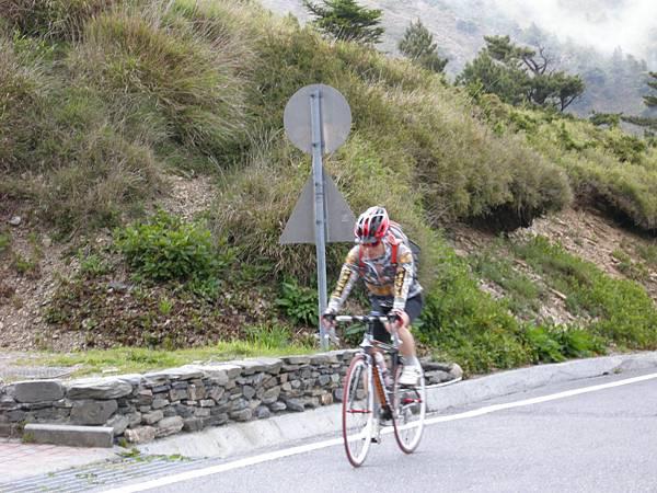 DSCN9975_為一路上努力騎車的人加油打氣.JPG