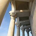 比薩斜塔上的柱子.JPG