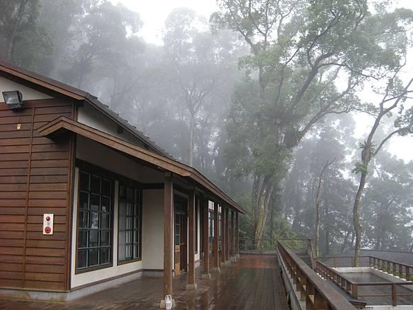 DSCN9793-雲霧中的幸福小學.JPG