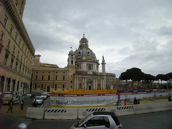 威尼斯廣場-車上拍的風光.JPG
