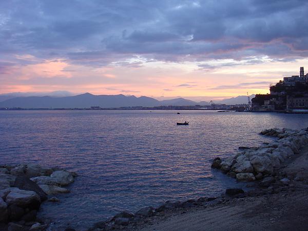 DSC07204-美麗的晨曦迎接新的一天~ 今天要準備前往卡不里島了~.JPG