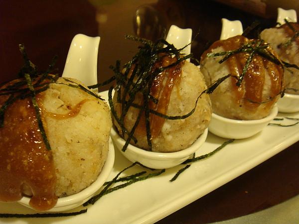 DSC08250味噌干貝飯團-味噌及干貝很好吃..若米粒再硬點口感會更佳.JPG