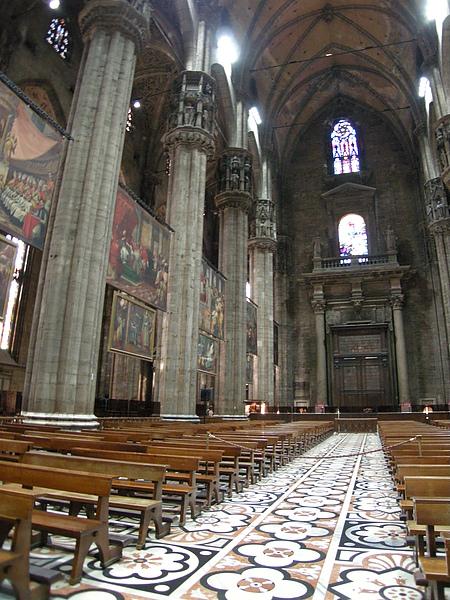 米蘭大教堂-2.JPG